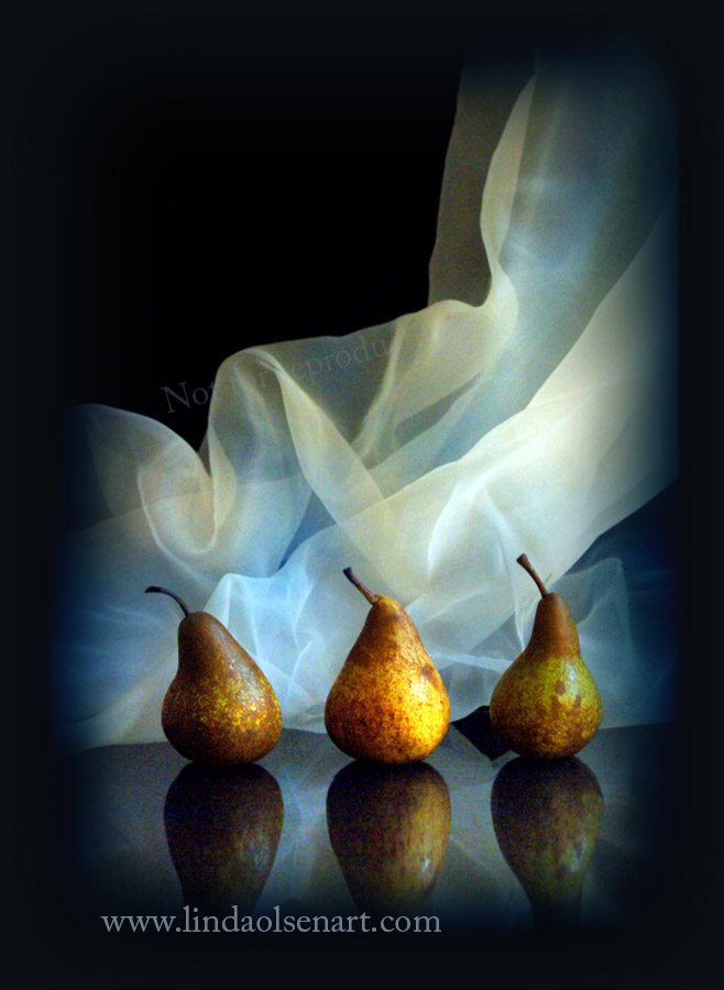 three pears color