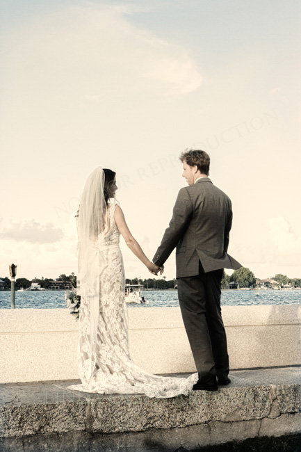 I enjoy tinting my images from portraits and weddings that I have the honor to capture.