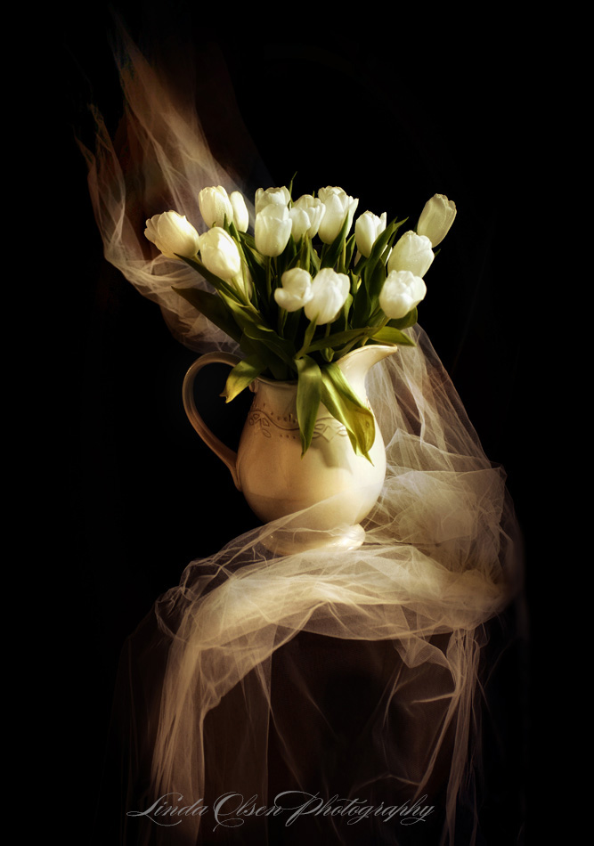 tulips-in-pitcher-tona