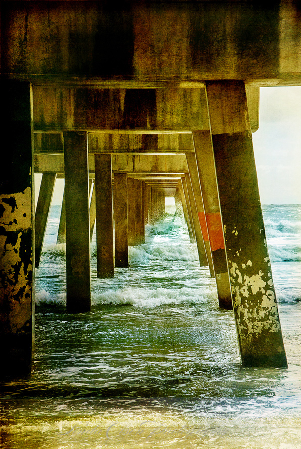 under-pier-vintage