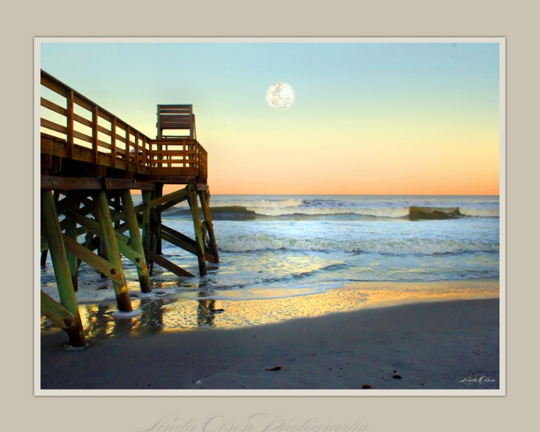 ab-pier-sunset-moon